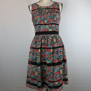 Lovely Dress Size 4 Floral with Lace Fully Lined
